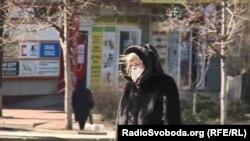 На вулицях Донецька людей в масках – небагато