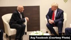 دونالد ترمپ رئیس جمهور امریکا و محمد اشرف غنی رئیس جمهور افغانستان در دیدار شان در شهر داووس سویس