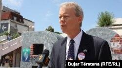 Ambasadori i SHBA-së në Kosovë, Greg Delawie