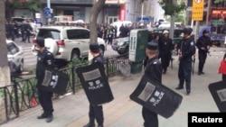 Полицейский спецназ в городе Урумчи в Синьцзяне, 22 мая 2014 года. Иллюстративное фото.