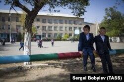 Школа в городе Нарын, Киргизия