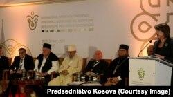 Predsednica Kosova Atifete Jahjaga na otvaranju konferencije u Prištini