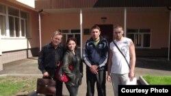 Справа налево - Дмитрий Мешков, Аркадий Пелипенко, Ольга Буракина и ее отец