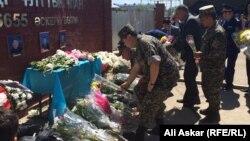Ұлттық гвардияның 6655-әскери бөлімі жанындағы еске алу жиыны. Ақтөбе, 9 маусым 2016 жыл.