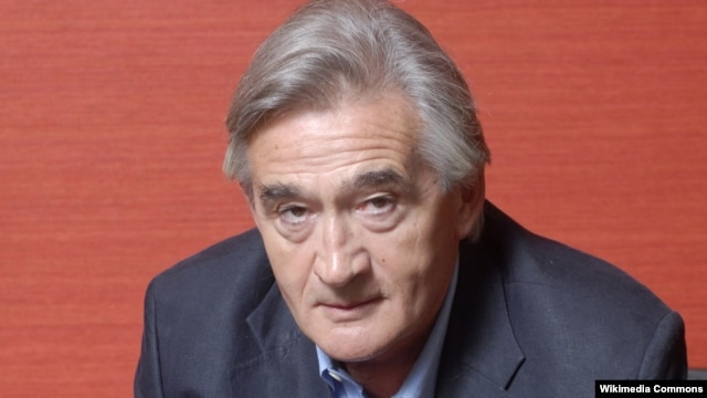 British historian Antony Beevor has written extensively on Stalingrad and on World War II in general.