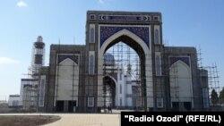 Сохтмони Масҷиди бузургтарини Душанбе соли 2009 бо сармоягузории Қатар оғоз ёфтааст