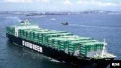 ایران می گوید که صادرات غیر نفتی از ۱۰.۵ ميليارد دلار در سال ۱۳۸۴ به ۱۶.۳ ميليارد دلار در سال ۱۳۸۵ رسیده است.