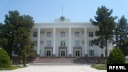Türkmenistan Ylymlar akademiýasynyň binasy