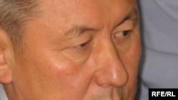 Жаксыбек Кулекеев в первый день суда, Астана, 25 августа 2008 года.