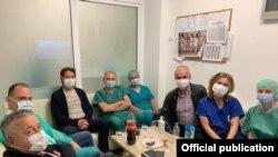 Тимот од кардиохирурзи кои ја изведоа првата трансплантација на срце од починат донатор
