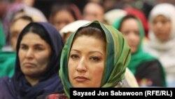 Женщины, участвующие в собрании Лойя-джирги. Кабул, 19 ноября 2011 года.