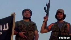 """""""Сириядағы қазақ жихадшылары"""" туралы интернетте жарияланған видеодан скриншот."""