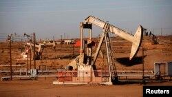 Калифорниядағы мұнай өндірісі (Көрнекі сурет)