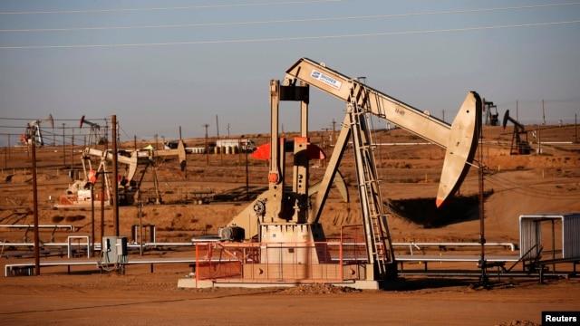 Калифорниядағы мұнай өндірісі. (Көрнекі сурет)