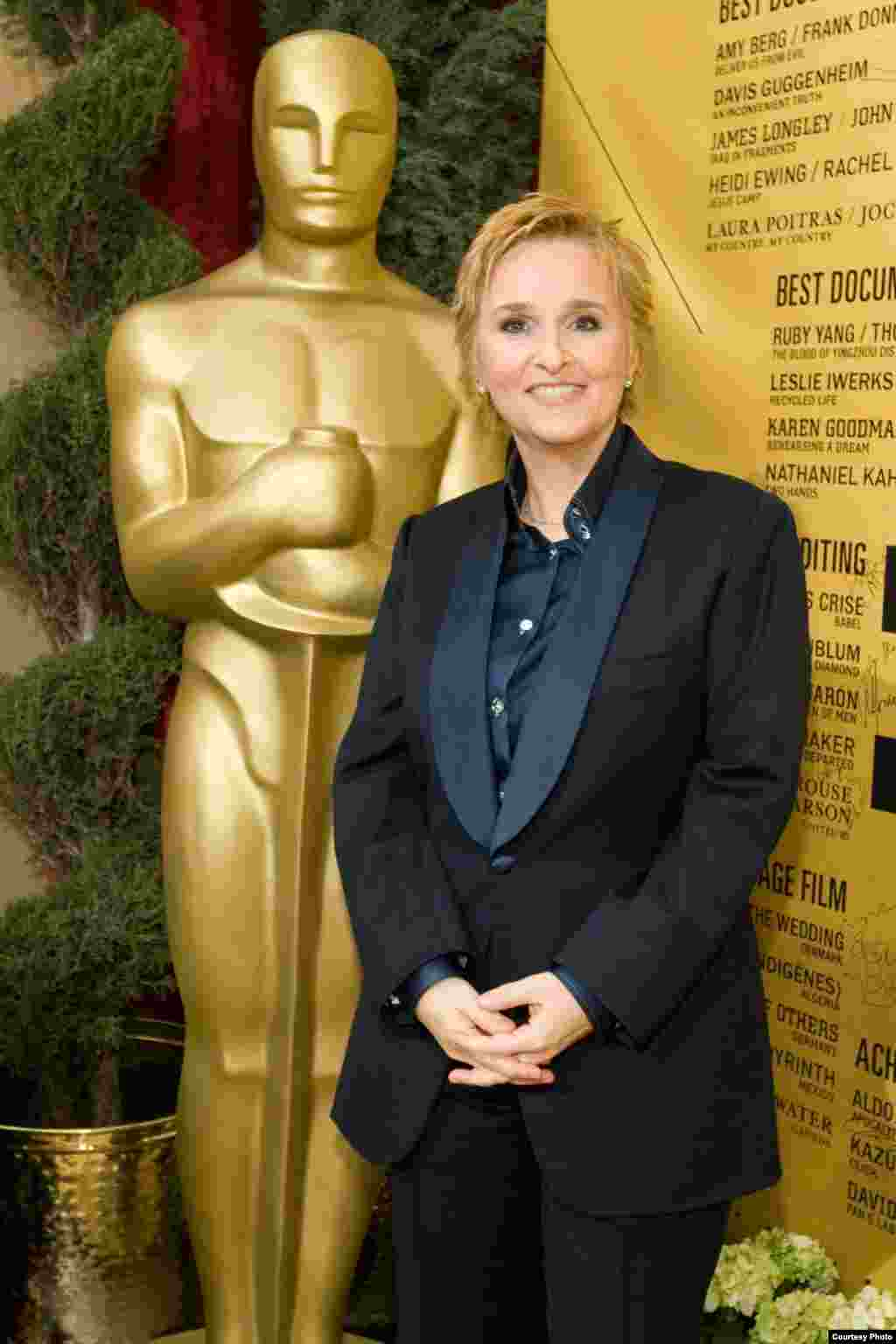 بهترین آهنگ را فیلم حقیقت تلخ به خوانندگی مليسا اتريج دریافت کرد.