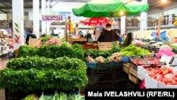 Администрация рынка будет оштрафована на 15 тысяч лари за нарушение правил, а продавец – на 3 тысячи лари, если нарушит запрет