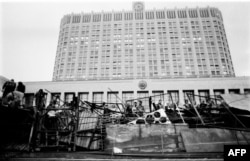 Баррикады в Москве, 19 августа 1991 года.
