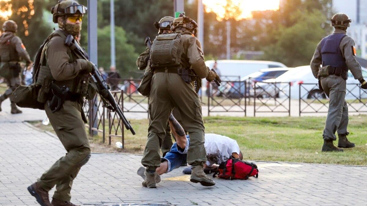 МВД Беларуси подтвердило, что милиционеры стреляли на поражение на протестах в Бресте