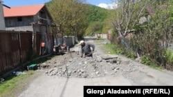 Peste cinci ani fiecare sat ar trebui să aibă apeduct şi canalizare, promit democraţii