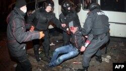 """Донецк, 13 марта, пострадавший при нападении про-российских активистов на митинг """"За единую Украину"""""""
