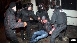 Одна із жертв побиття, вчиненого у Донецьку 13 березня цього року
