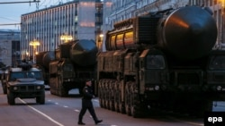 Оьрсийчоь -- Оьрсийчоьнан баллистикан зарратан ракета RS-24 Москох парадана кечлуш, 28Охан2016