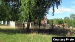 """Территория рощи """"танцующих"""" берез. Село Боровое, 27 мая 2012 года."""