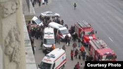 В самом центре Минска в метро произошел взрыв. Фото http://auto.onliner.by/2011/04/11/vzryv