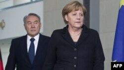 Қазақстан президенті Нұрсұлтан Назарбаев пен Германия канцлері Ангела Меркель.