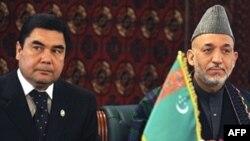 Ауғанстан президенті Хамид Карзай мен Түркіменстан президенті Гурбангулы Бердімұхамедов. Кабул, 28 сәуір 2008 жыл. (Көрнекі сурет)