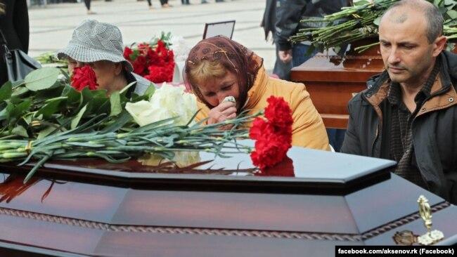 Трагедия в Керченском колледже. Как это было (фотогалерея)