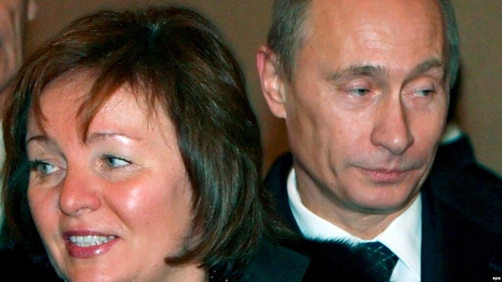 Vladimir Putin arvadı Lyudmila ilə, 2007.