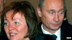 Putin arvadı Lüdmila ilə
