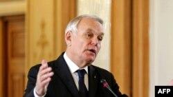 шефот на француската дипломатија Жан Марк Еро