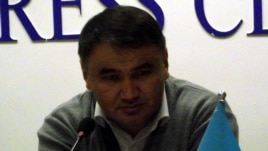 Жезқазғандағы журналист әрі азаматтық белсенді Берік Жағыпаров.