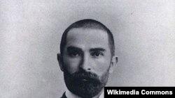 Эльдерханов Таьштамир.