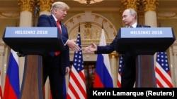 Presidenti i SHBA-ve, Donald Trump dhe Presidenti i Rusisë, Vladimir Putin gjatë takimit në Helsinki, korrik 2018