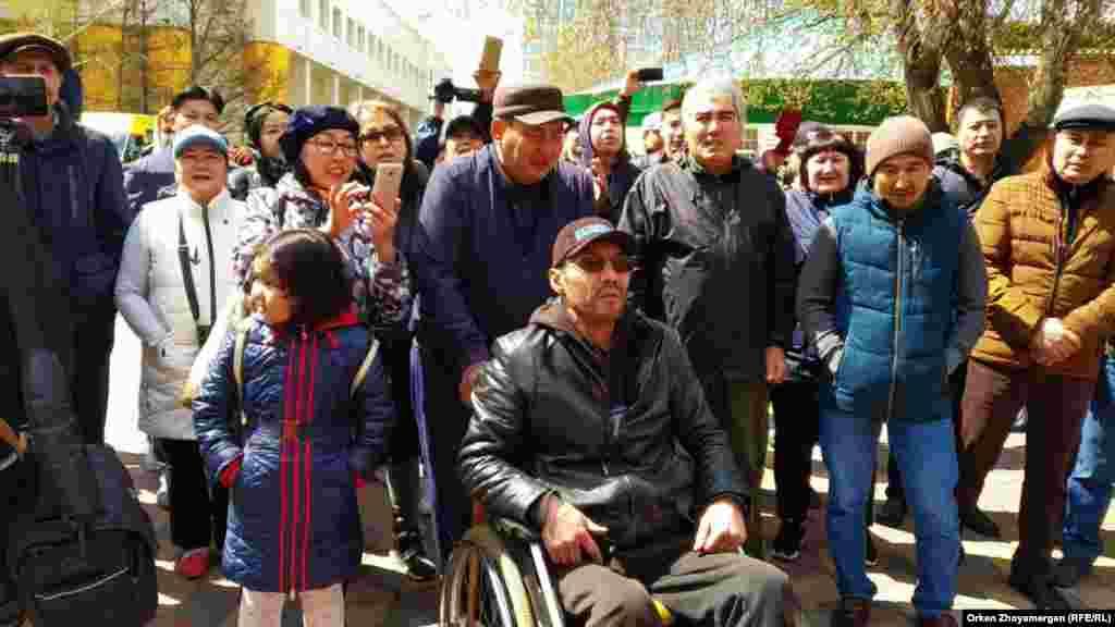 Участвующие в протесте люди заявили о своих социальных проблемах. Нур-Султан, 1 мая 2019 года.