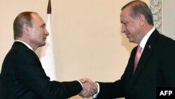 Володимир Путін (л) і Реджеп Тайїп Ердоган (п), Санкт-Петербург, 9 серпня 2016 року