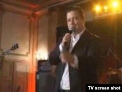 Ivica Dačić pevuši o Miljacki