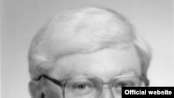 Лауреат Нобелевской премии по химии за 2007 год немецкий ученый Герхард Эртль (Gerhard Ertl)