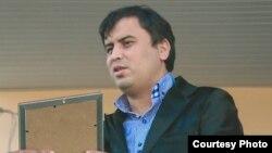 """Фото Зайнулло Сохибова взято из странички фанклуба """"Равшана"""" в социальной сети Одноклассники"""