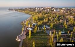 Вигляд на сучасний Таганрог із висоти пташиного польоту