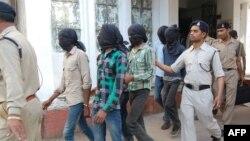 Обвинетите во случајот на групно силување на една жена во Њу Делхи, во декември минатата година.