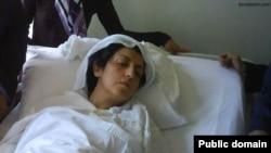 نرگس محمدی روی تخت بیمارستان - عکس آرشیوی است