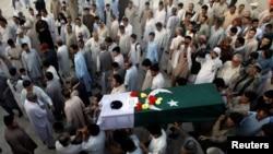 په تورخم کې د افغان او پاکستانیو ځواکونو ترمنځ پر یو بل له ډزو وژل شوی پاکستانی مېجر جواد چنګېزي په کوټه کې خاورو ته وسپارل شو. ۱۴م جون ۲۰۱۶