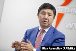 Президент сайлауына «Ақ Шумкар» партиясының атынан түсіп жатқан Қырғызстанның бұрынғы премьер-министрі Темир Сариев.