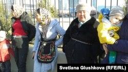 Үйлерінің мемлекет мұқтаждығы үшін алынуына қарсы тұрғындар. Астана, 15 сәуір 2014 жыл