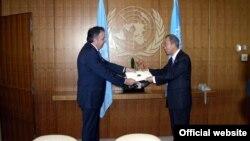 Հայաստանի դեսպան Կարեն Նազարյանը իր հավատարմագրերն է հանձնում ՄԱԿ-ի գլխավոր քարտուղար Բան Կի-մունին, արխիվ