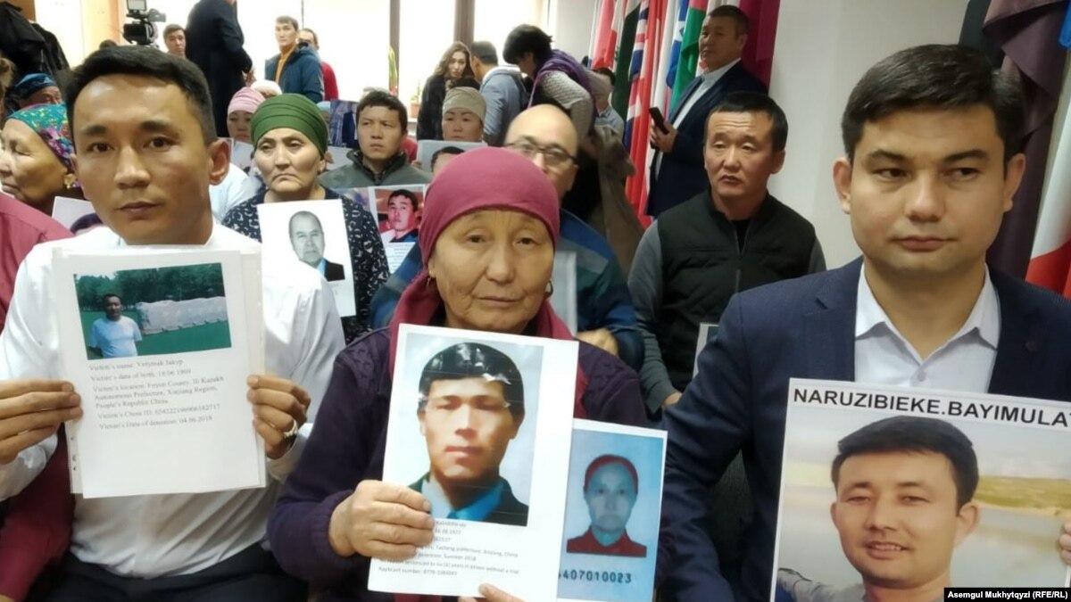 Госдеп ограничивает въезд в США китайским официальным лицам, притесняющим мусульман